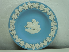 Wedgwood CC on Lavender Jasperware Round Tray Aurora - $11.08