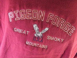 Pigeon Forge Great Smoky Mountains T-Shirt Size L - $12.86