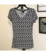 Rue 21 Women's Black & White Zig Zag Print V Neck Cap Sleeve Top NWOT - $16.66