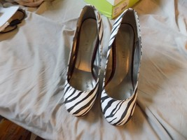 Madden Girl Women's Stiletto Pump Platform Shoes Zebra Size 9 - $8.25