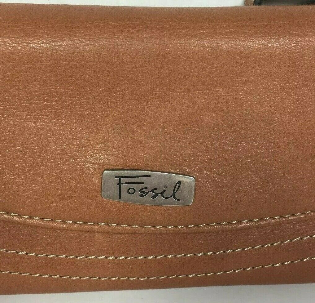 Fossil Brown Leather Clutch Wallet image 11
