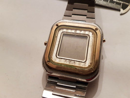 Vintage Longines Lcd Square Watch With Original Band For You To Fix Or Parts - $175.00