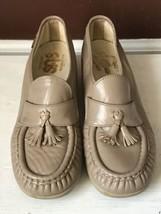 Women's SAS Tan Leather Comfort Tasseled Hand sewn Walking Shoes Size 8 - $23.38