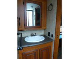 2011 COACHMEN CROSS COUNTRY 405FK For Sale In Ashland, OR 97520 image 7