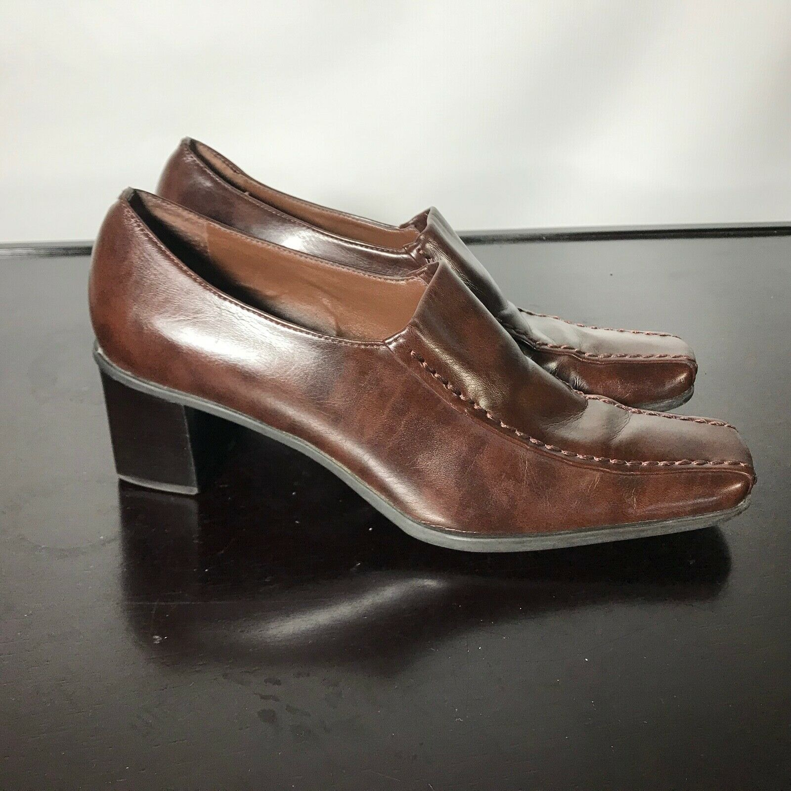 Primary image for Franco Sarto Sz 8.5 M, brown Slip-On mid Heels. Nice Condition!
