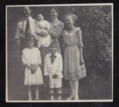 Antique Photograph Family - Mom - Dad - Children Standing in Yard - Cool... - $6.93