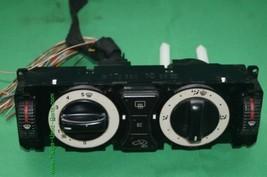 Audi TT AC Climate Control Center Dash Bezel Unit Heater 8N0 820 043A image 2