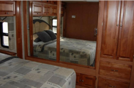 2008 Tiffin Motorhomes 37QDB Class A For Sale In Bloomington, IN 47403 image 13