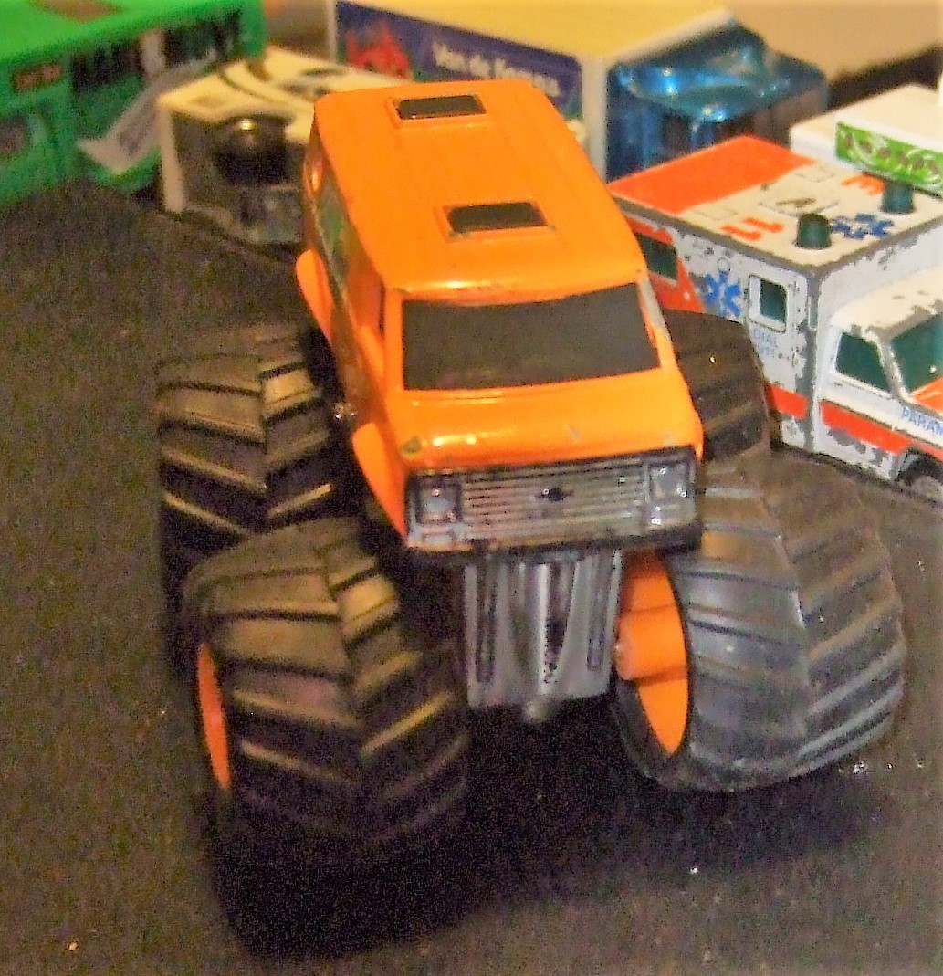 Matchbox - Super Chargers Rollin' Thunder Chevy Van 4x4x4 Monster Truck SC4 1985