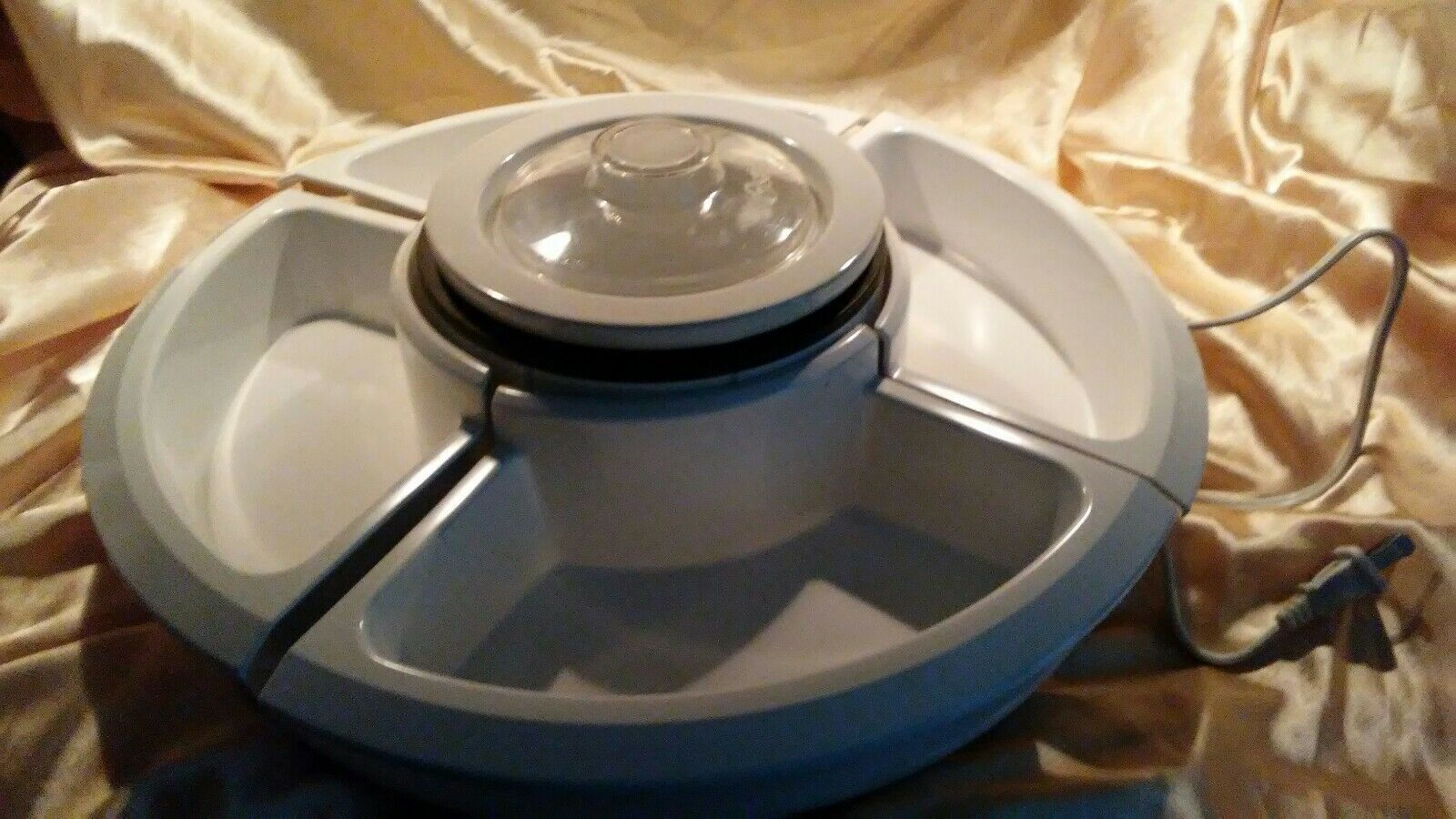 Primary image for Oster Lazy Susan with Center Electric Warming Pot, White NEW TSP200