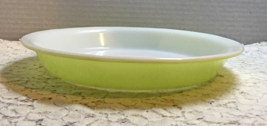 Retro Vintage Lime Green Pyrex 9 Inch Pie Plate  - $9.28