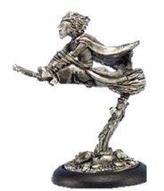 28mm Discworld Miniatures: Magrat on broom (1)