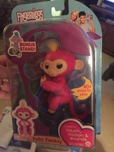 Fingerlings BELLA PINK Baby Monkey EXCLUSIVE Bonus Stand AUTHENTIC RETAIL - $32.67