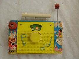 Vintage 1963 Fisher Price Toys Inc TV-RADIO Farmer In the Dell - $14.99
