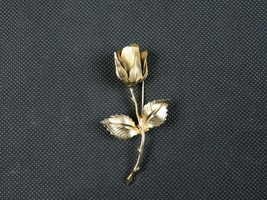 Elegant Long Giovanni Signed Vintage Gold Toned Rose Brooch Pin 2 3/4 inch  - $16.99