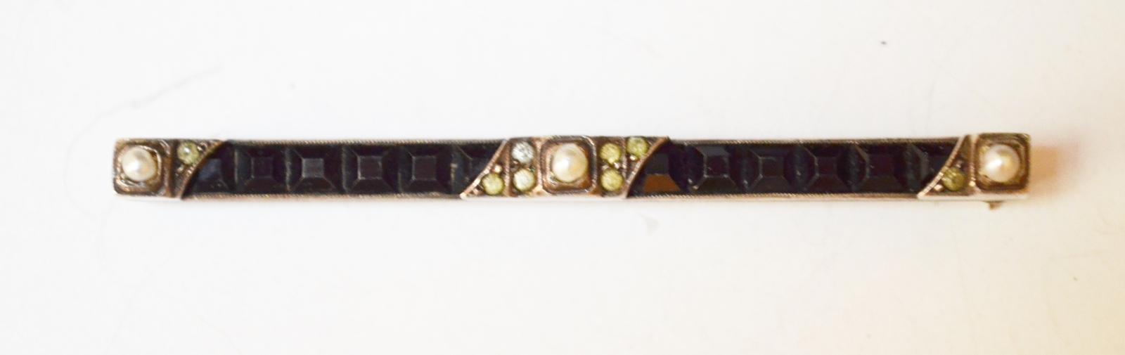 Onyx pin