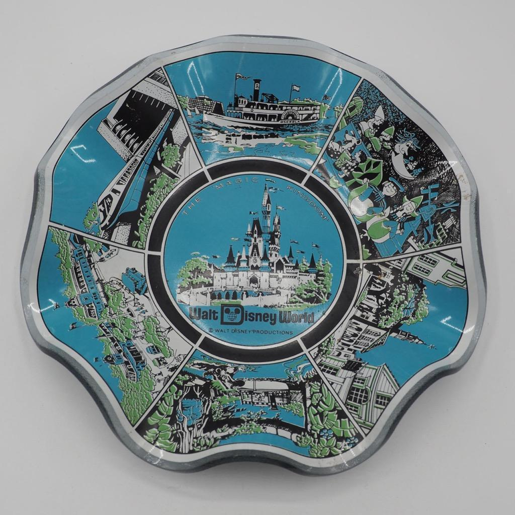 Primary image for Walt Disney World The Magic Regno Souvenir Piastra W/Increspato Edge Blu Dietro