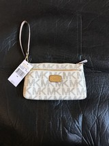 Michael Kors Jet Set Item Large Wristlet Purse For iPhone 6/7 - $74.79