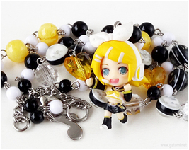 Kagamine Rin Vocaloid Necklace in Black and Yellow, Gatumi Jewelry, Gamers - $37.00