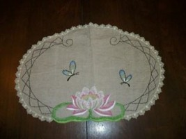 ART DECO ERA WATER LILY EMBROIDERED LINEN DOILY TABLE COVER COTTAGE CHIC... - $36.09