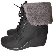 Ugg Australia Black Zea Shearling Wedge Lace Up Boots Ankle Booties 8.5-... - $2.302,40 MXN