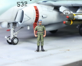 USAF Ground Support Crew Commander 1:72 Pro Built Model - $14.83