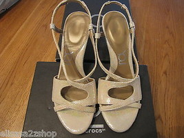 You By Crocs Babasita Gold 10.5 Schuhe Leder Riemen Damen Neu *^ - $13.35