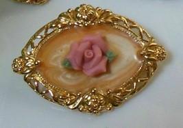 Avon 1989 'Victoria Rose' Gold tone Bisque Brooch - $15.00