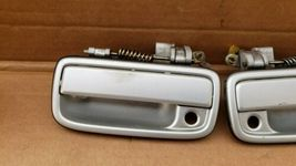 95-04 Toyota Tacoma Front Exterior Outside Door Handle Pair Set Left Right L&R image 3