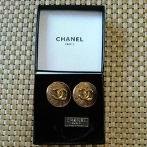 Authentic CHANEL Vintage Gold Logo Clip on Earrings Coco CC HCE088 - $428.57