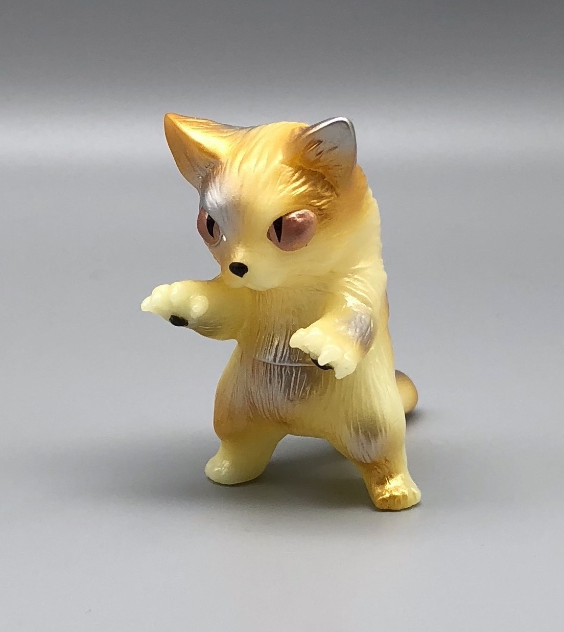 Max Toy Silver and Gold GID (Glow in Dark) Mini Nekoron