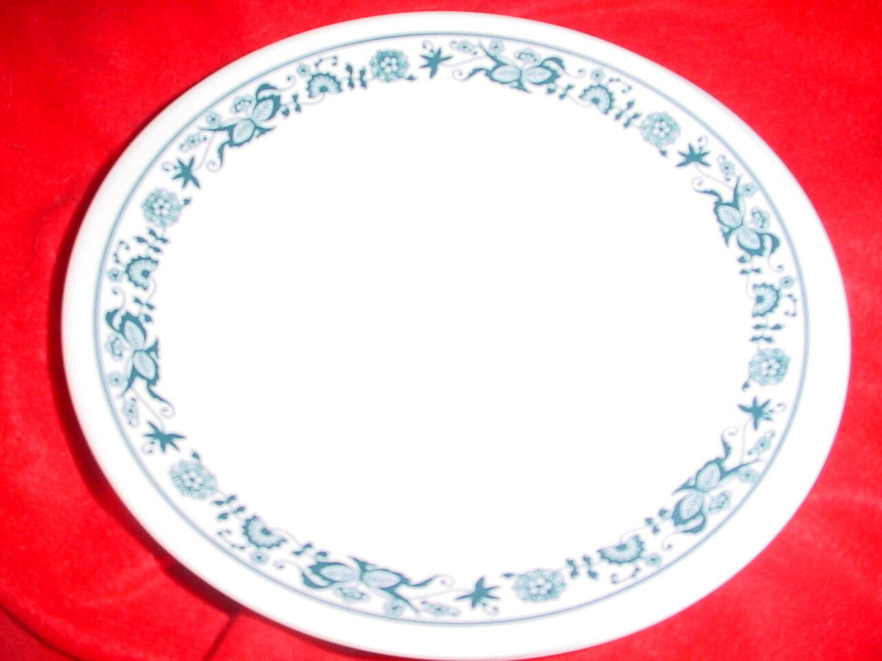 Primary image for CORELLE OLD TOWN BLUE 8.5 INCH LUNCH/SALAD PLATES x4 NEW FREE USA SHIPPING