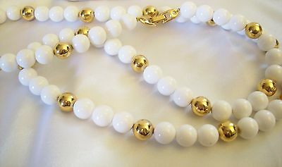 NAPIER GOLD and WHITE Beads Necklace Classic Estate Vintage Career