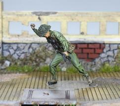 NVA Soldier in Fight in Vietnam war 1:35 Pro Built Model #2 - $34.60