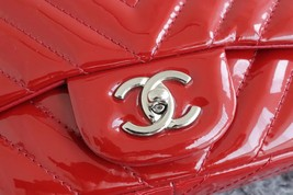 RARE AUTH Chanel Red Chevron Quilted Patent Maxi Classic Single Flap Bag SHW image 3
