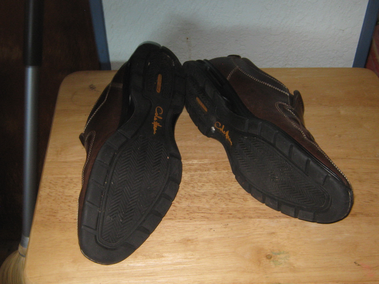 COLE HAAN 10.5  MENS SHOES