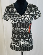 82d30c67d Mossimo women graphic tee short sleeve v-neck - $6.99