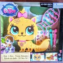 Littlest Pet Shop Style 'n Store Set w/ Kitten - $14.01