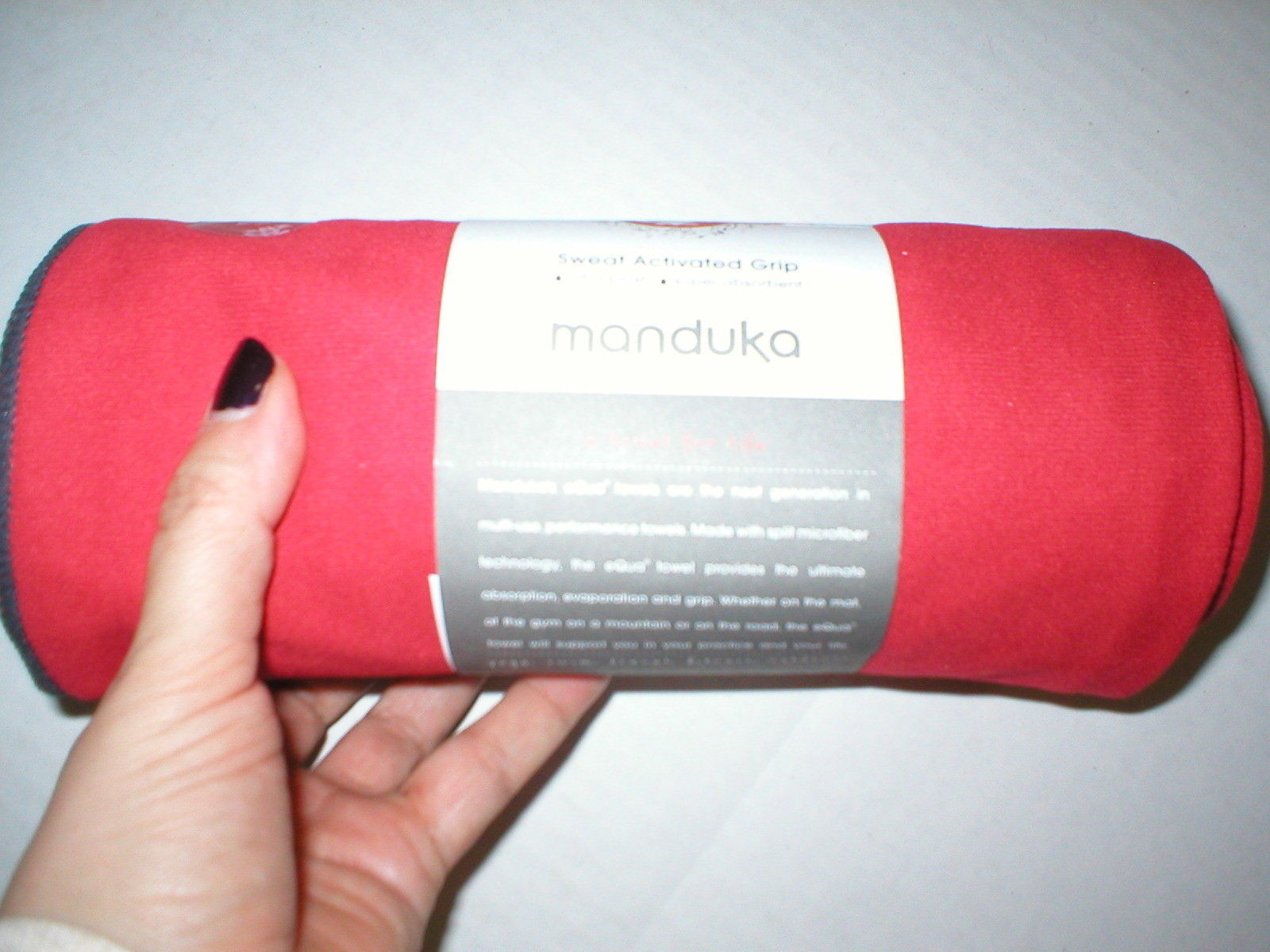 New Manduka Towel Fast Drying Equa Hot Yoga Mat Pilates Red Sweat Activated NWT