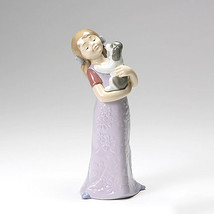 Nao by Lladro 02001535 Puppy Cuddles Porcelain Figurine Glased New  - $105.00