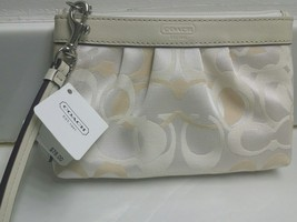 New Ladies Coach Optic Signature Purse Wristlet》White/Khaki - $69.29