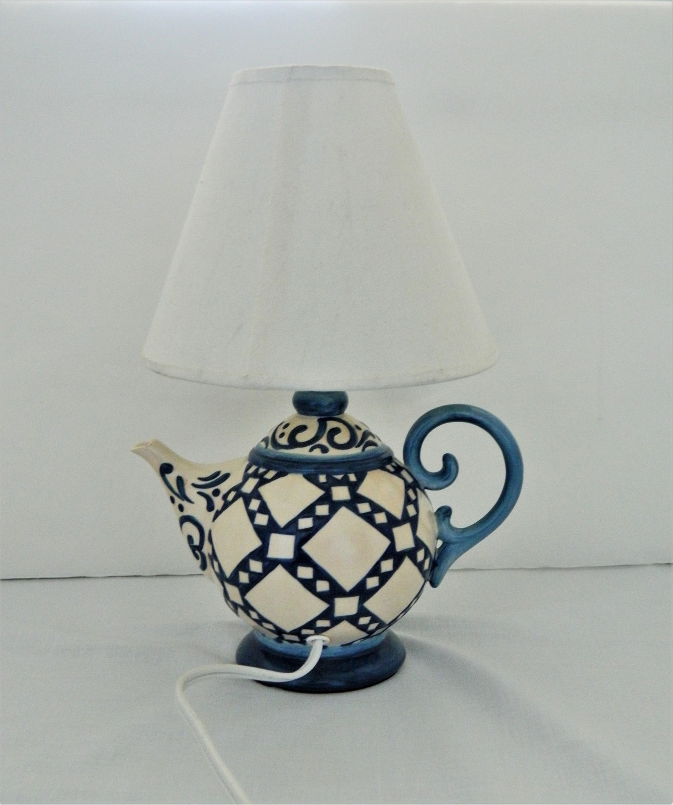 Table/Desk Electric Lamp – Teapot Design – 2004 Jim Shore - Enesco - Ceramic  - $32.50