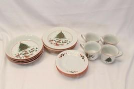 Kopin Xmas Pleasure Dinner Plates Scalloped Rim Lot of 16 - $97.02