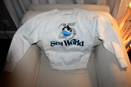 VINTAGE SEA WORLD SWEATSHIRT SIZE M - $20.78