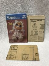 Vogue 8967 Muppet Babies Miss Piggy Doll And Clothes Sewing Pattern image 6