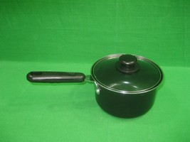 Vintage One (1) Quart Sauce Pan with Glass Lid Non-Stick - $13.06