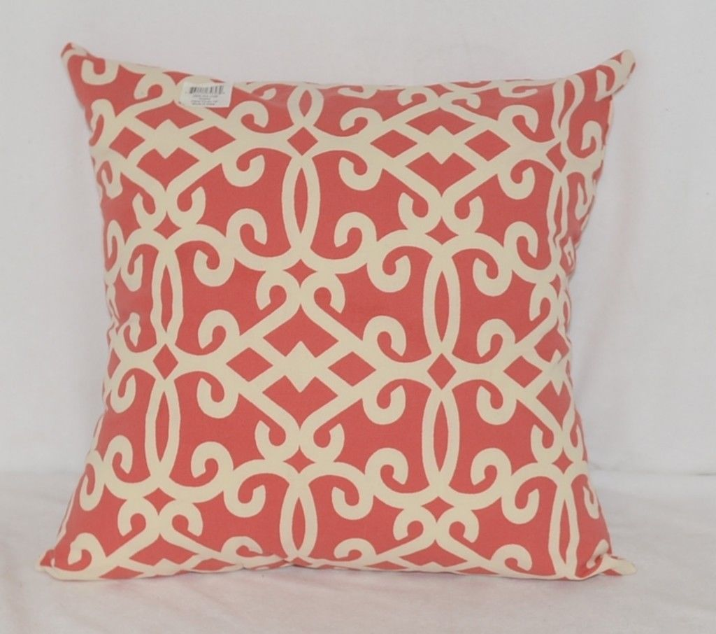 Split P Amelia 2505054CVR Red White Zippered  Cover 18 Inch Polyester Pillow