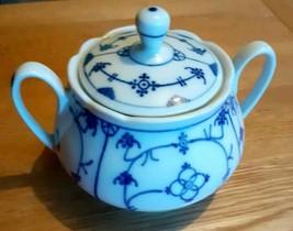 Porcelain Blue & White Winterling Strawflower Sugar Bowl - $24.61