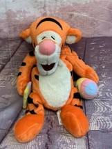 Walt Disney World Winnie The Pooh TIGGER Holding Paint Brush & Easter Eg... - $18.04