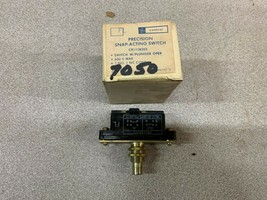 New In Box Ge Switch CR115B202 - $33.87